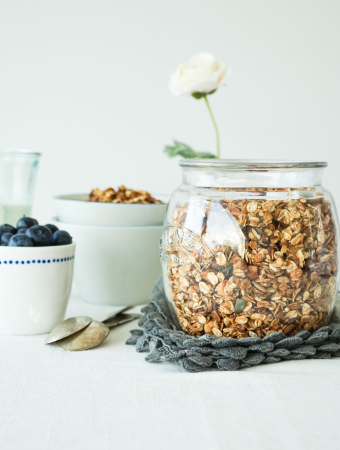 Super Tasty Granola with Blueberries