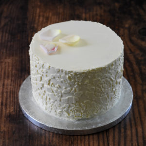 Lace effect buttercream cake