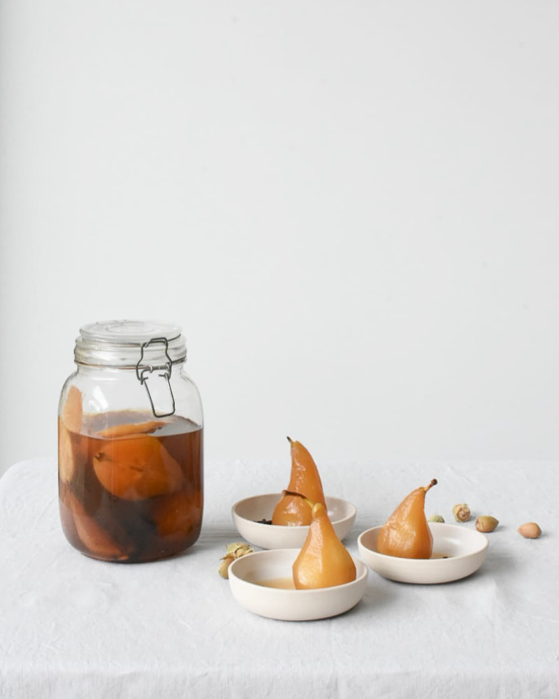 Spiced preserved pears