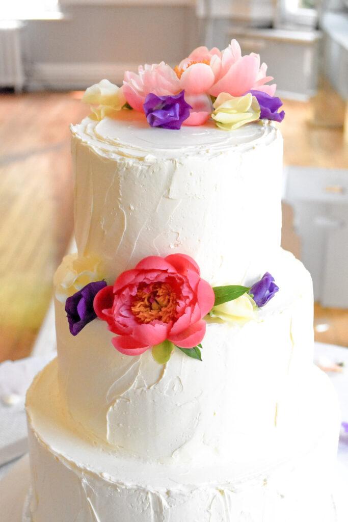 Philippa & Johnny's wedding cake