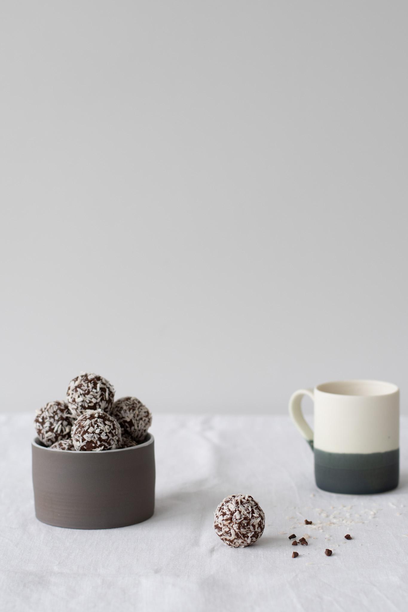 Healthy Swedish Chocolate Balls (Chokladbollar)
